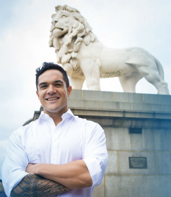 former all blacks rugby star makes west end debut in the
